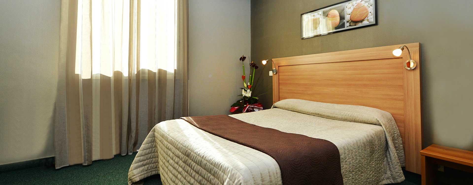 chambre standard hotel du midi rodez. Black Bedroom Furniture Sets. Home Design Ideas